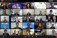 """Ông Phạm Thanh Hưng, Phó Chủ tịch HĐQT Tập đoàn Cen Group cùng đại diện 200 tập đoàn, công ty lớn khu vực châu Á – Thái Bình Dương được Forbes Asia vinh danh """"Best Under a Billion""""."""