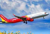 Bộ Tài chính trình tiếp tục giảm 30% thuế bảo vệ môi trường đối với nhiên liệu bay trong năm 2021. (Ảnh: Vietnam+).
