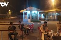 Lực lượng chức năng phong tỏa tạm thời khu công nghiệp An Đồn đêm qua.