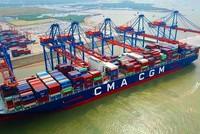 Toàn cảnh chuyến tàu thương mại đầu tiên của hãng tàu CMA – CGM tại Cảng Gemalink (Ảnh: Lê Toàn)
