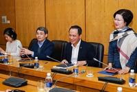 Ông Lê Hồng Hà (thứ ba từ trái sang) tại buổi làm việc thảo luận về tiềm năng phát triển hàng không cùng đại diện sân bay Quốc tế Fukuoka - Nhật Bản vào cuối tháng 12/2019. Ảnh: VNA
