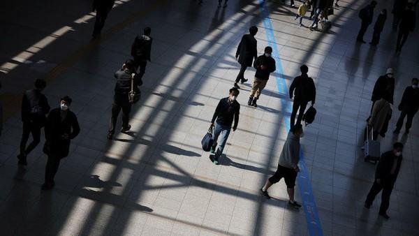 """Không khác gì """"Squid Game"""", bẫy nợ tồn tại ngoài đời thực tại Hàn Quốc"""