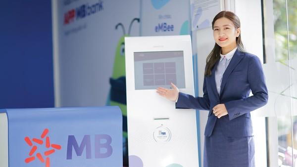 Một số ngân hàng như TPBank, MBBank… đã ghi nhận tỷ lệ hơn 80% giao dịch được thực hiện trên nền tảng số