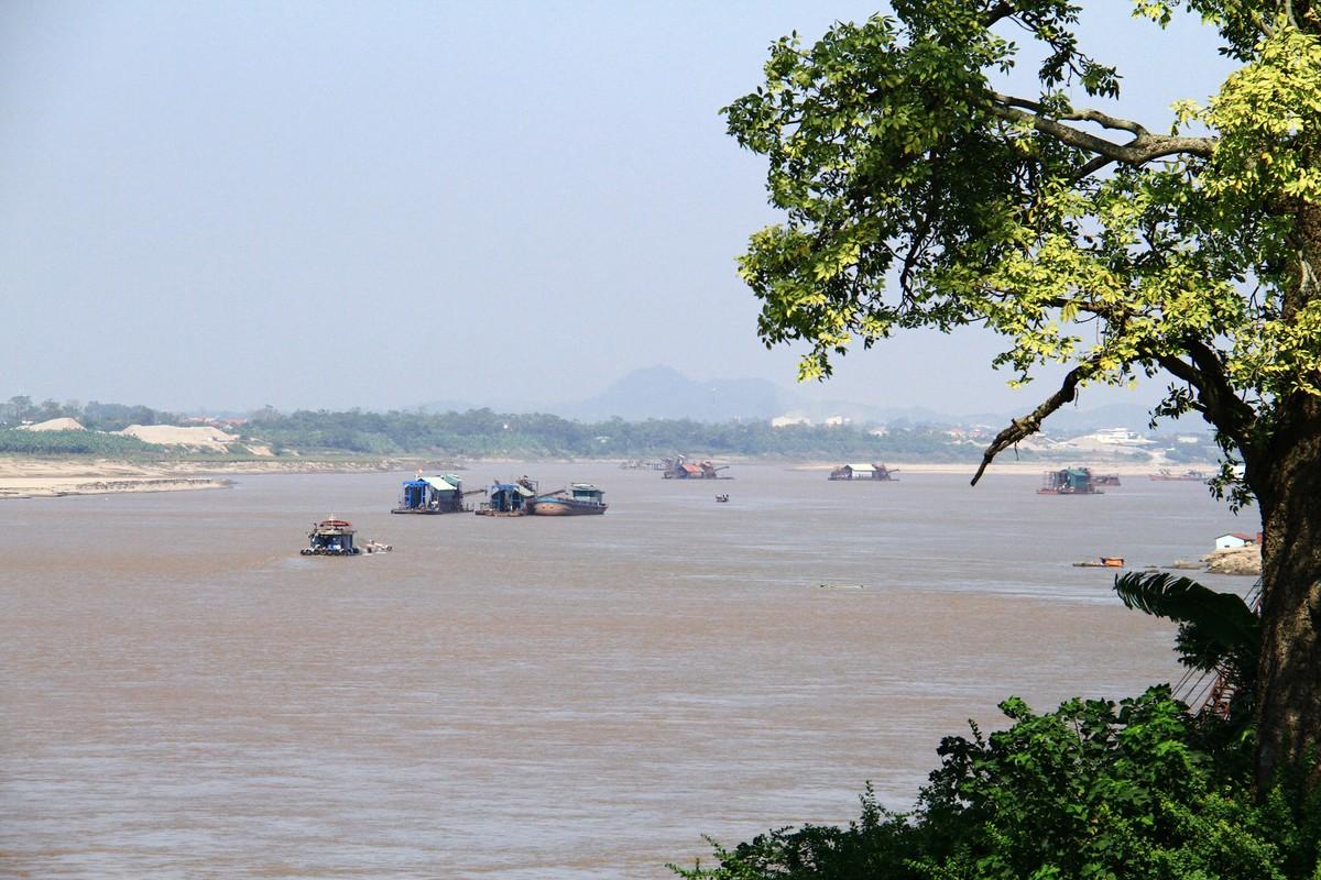 Ba Vì, Hà Nội: Tàu hút cát hoạt động ngày đêm ảnh 1