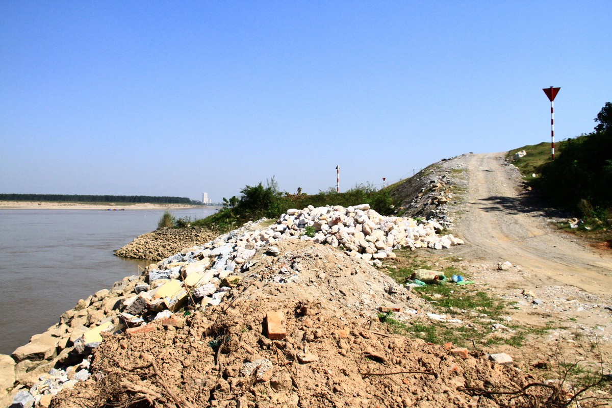Ba Vì, Hà Nội: Tàu hút cát hoạt động ngày đêm ảnh 13