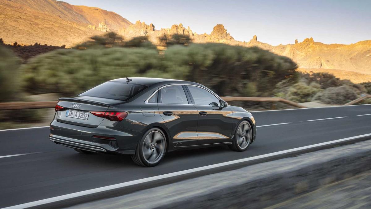 Audi A3 sedan 2021: Thiết kế hầm hố với công nghệ hiện đại hơn ảnh 1