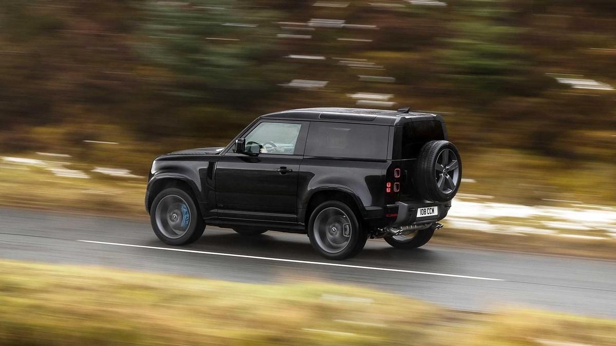 Land Rover Defender V8 2022: Phiên bản nâng cấp động cơ V8 siêu nạp 5.0L đem đến sức mạnh vượt trội ảnh 10