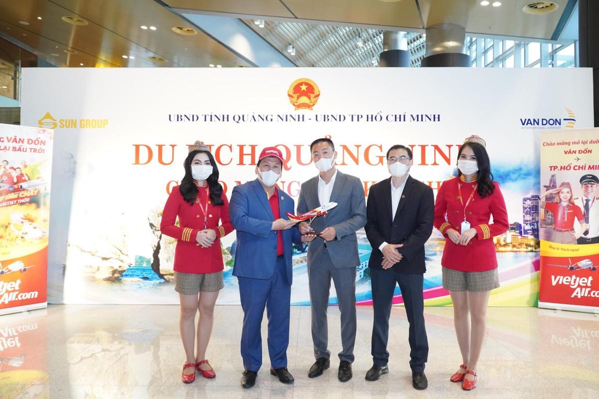 Sân bay Vân Đồn mở cửa trở lại đón chuyến bay Vietjet đầu tiên ảnh 4