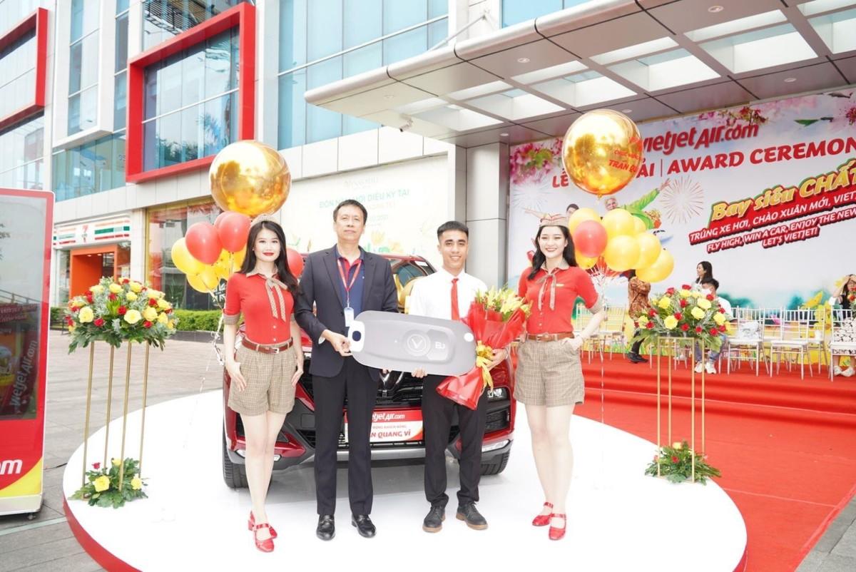 Bay chất cùng Vietjet, khách hàng nhận giải chung cuộc xe hơi 1,5 tỷ đồng ảnh 2
