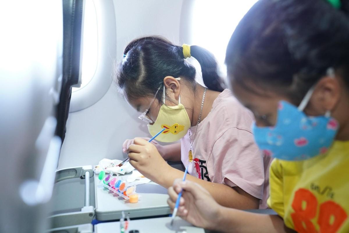 Vietjet lan toả niềm vui bằng hoạt động đặc biệt nhân ngày Quốc tế Thiếu nhi ảnh 5