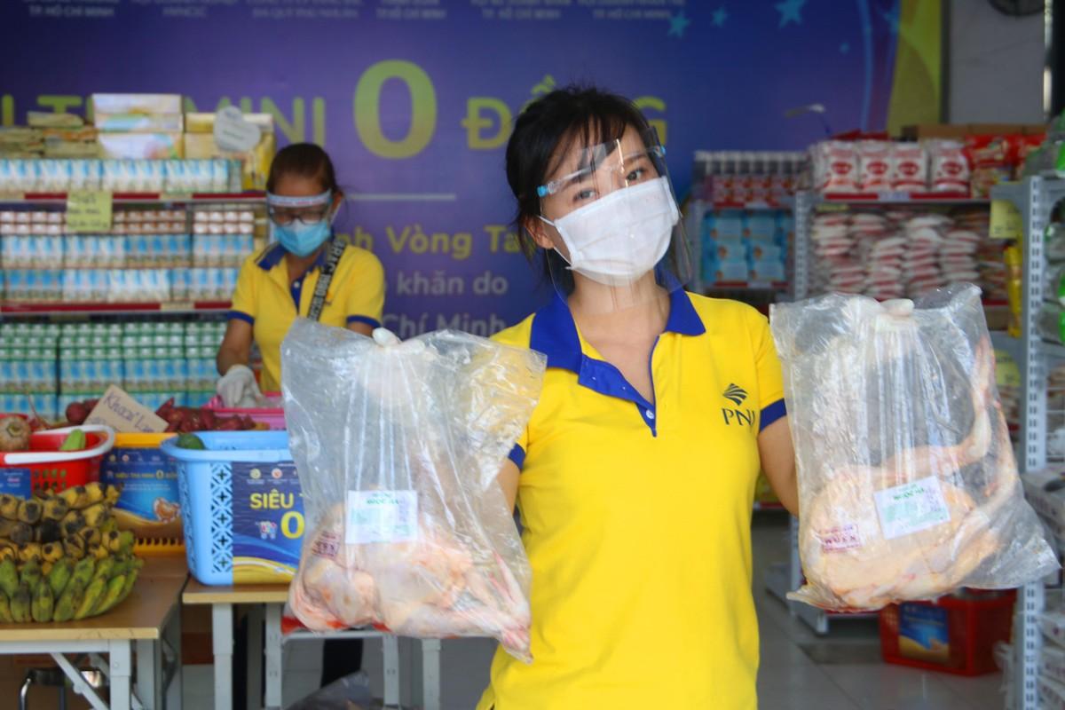 PNJ mở nhiều siêu thị 0 đồng để hỗ trợ người dân bị ảnh hưởng bởi Covid-19 ảnh 1