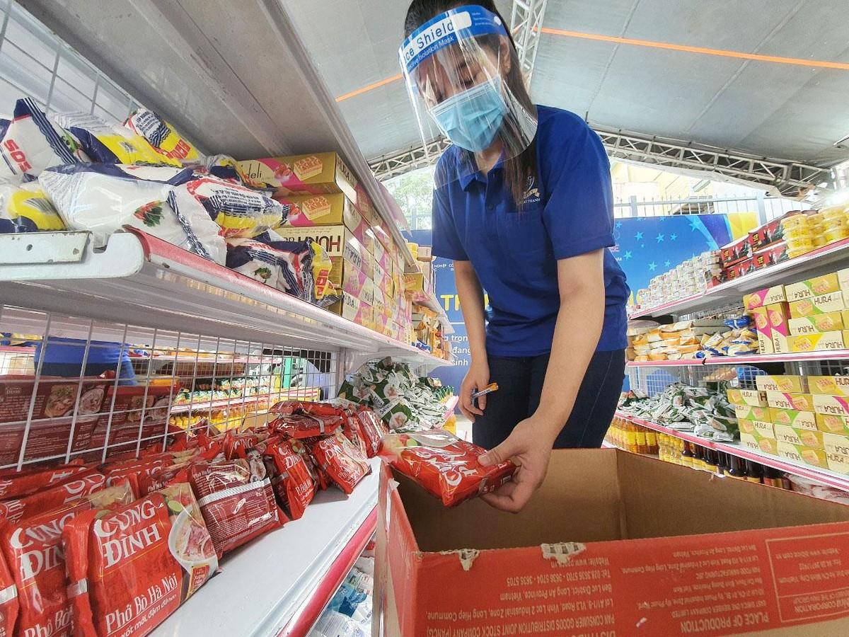 PNJ mở nhiều siêu thị 0 đồng để hỗ trợ người dân bị ảnh hưởng bởi Covid-19 ảnh 9