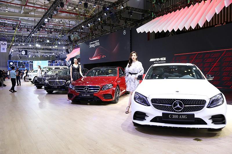 Vietnam Motor Show 2019: Mẫu đẹp - xế sang, gian hàng của Mercedes-Benz hút khách ảnh 1