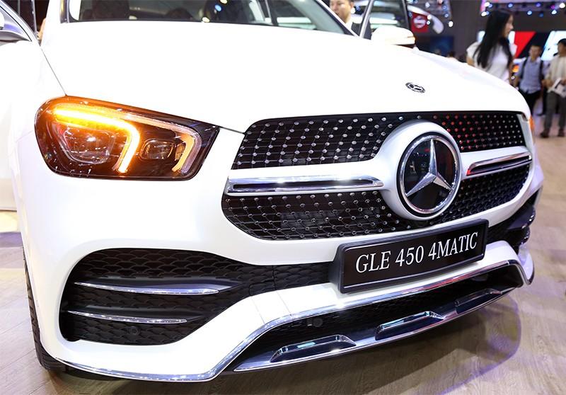 Vietnam Motor Show 2019: Mẫu đẹp - xế sang, gian hàng của Mercedes-Benz hút khách ảnh 5