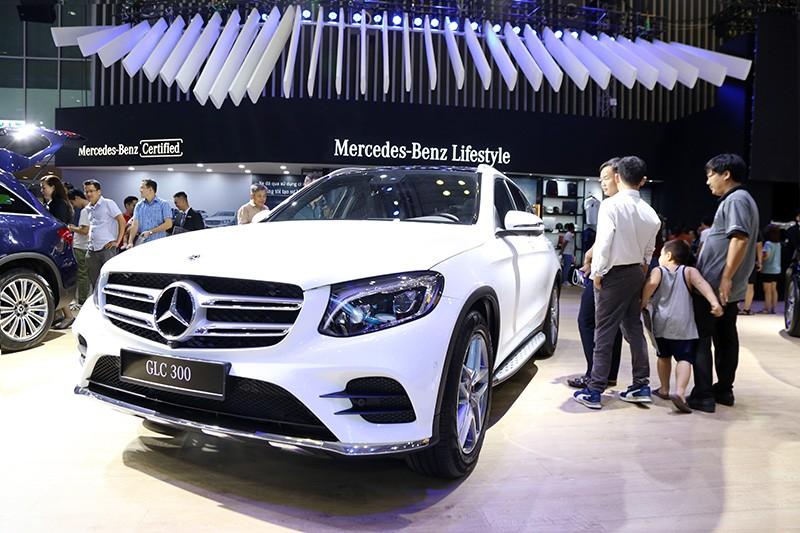 Vietnam Motor Show 2019: Mẫu đẹp - xế sang, gian hàng của Mercedes-Benz hút khách ảnh 9
