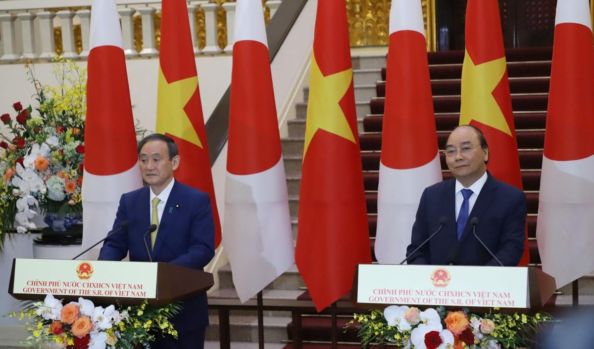 Thủ tướng Nguyễn Xuân Phúc chủ trì lễ đón Thủ tướng Nhật Bản ảnh 10