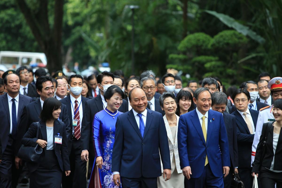Thủ tướng Nguyễn Xuân Phúc chủ trì lễ đón Thủ tướng Nhật Bản ảnh 9