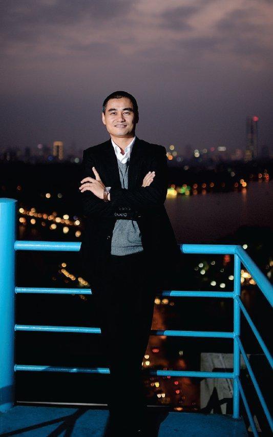 Chủ tịch Lux Group Phạm Hà: Chúng ta không thể thay đổi hướng gió, nhưng có thể thay đổi cánh buồm ảnh 35