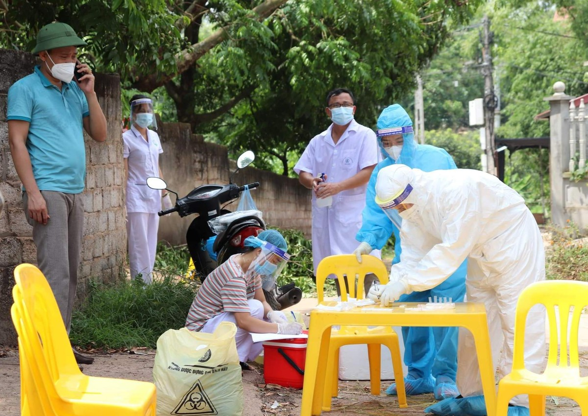 Bác sĩ tình nguyện tới tâm dịch: Không biết ngày về, chỉ hẹn bình an! ảnh 14