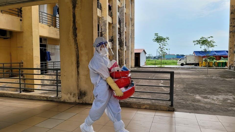 Bác sĩ tình nguyện tới tâm dịch: Không biết ngày về, chỉ hẹn bình an! ảnh 4