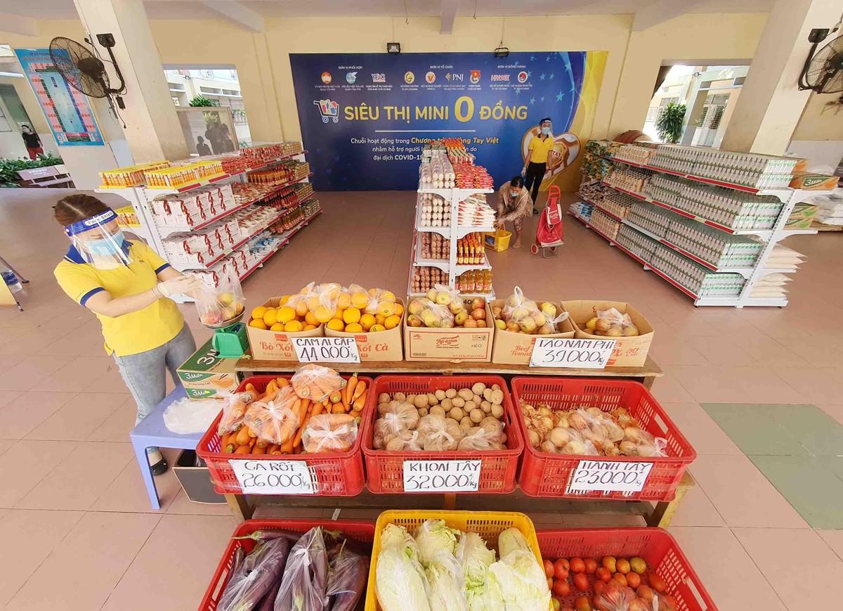 TP.HCM: Thêm 20.000 hộ dân khó khăn được tiếp sức từ siêu thị 0 đồng ảnh 4