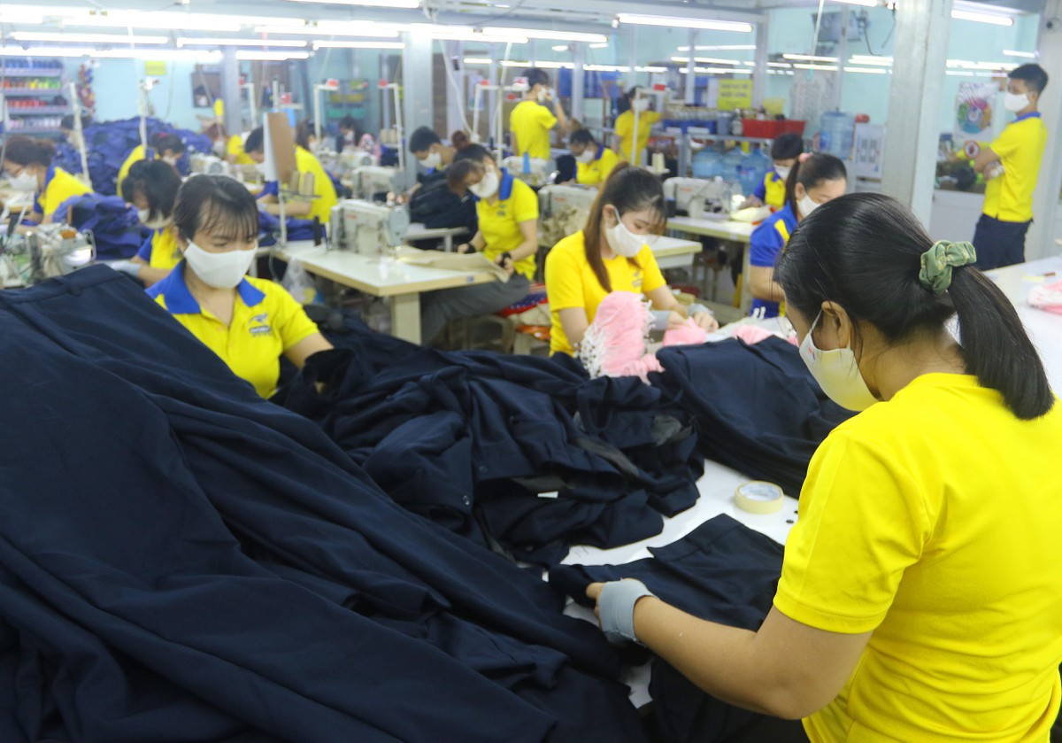 Công nhân nhà máy Dony tự tin trở lại sản xuất sau giãn cách ảnh 6