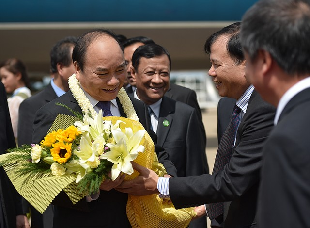 Thủ tướng tới Siem Reap dự Hội nghị cấp cao Campuchia-Lào-Việt Nam lần thứ 9 ảnh 1