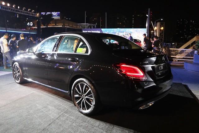 Mercedes C-class mới giá từ 1,5 tỷ - xe sang muốn lấy khách bình dân ảnh 2