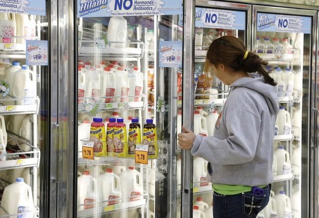 Vì sao người tiêu dùng phương Tây từ bỏ sữa bò ảnh 1