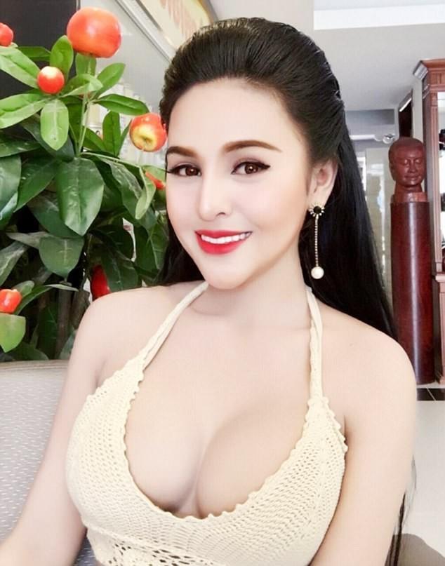 Nữ diễn viên Campuchia bị cấm đóng phim vì quá nóng bỏng ảnh 6