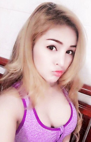 Nữ diễn viên Campuchia bị cấm đóng phim vì quá nóng bỏng ảnh 7