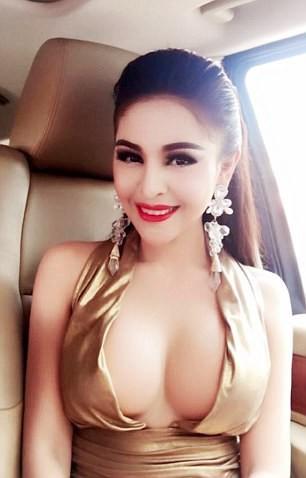 Nữ diễn viên Campuchia bị cấm đóng phim vì quá nóng bỏng ảnh 5