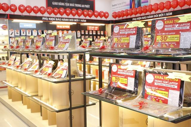 Mua hàng công nghệ chính hãng với nhiều tiện ích tại FPT Shop ảnh 2