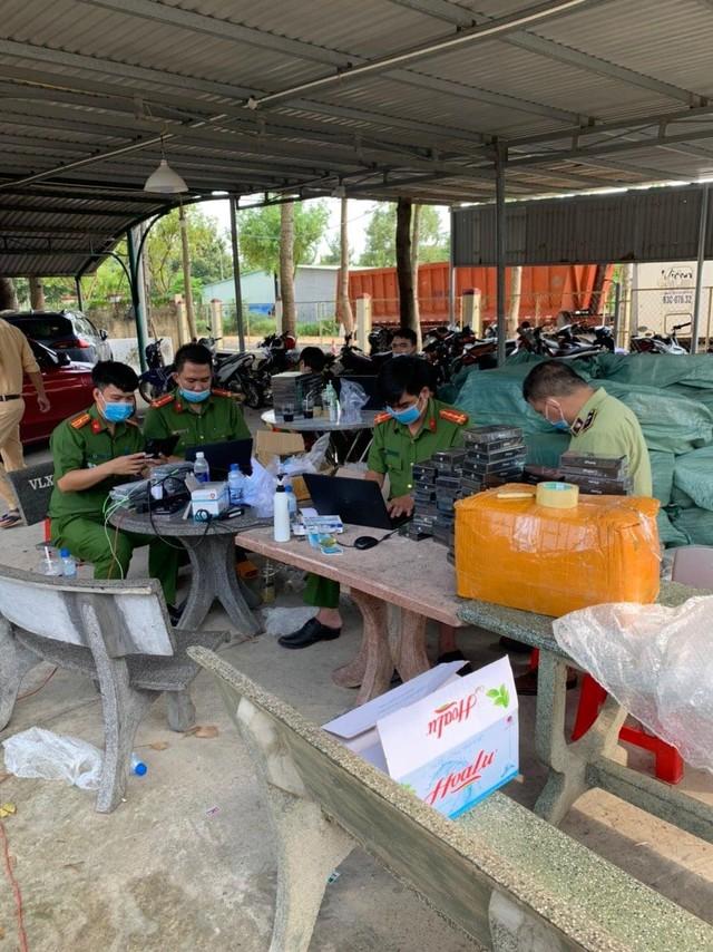 Bắt giữ hơn 7.500 điện thoại Iphone, Samsung có dấu hiệu nhập lậu tại Bình Phước ảnh 3