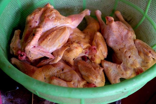 Đến Pleiku ăn đặc sản cơm lam gà nướng ảnh 1