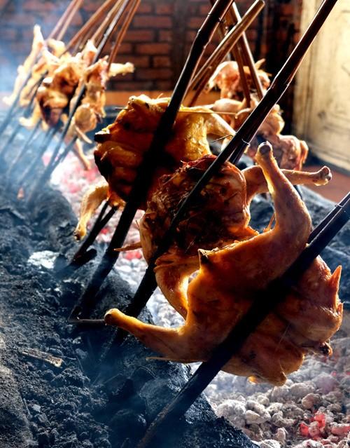 Đến Pleiku ăn đặc sản cơm lam gà nướng ảnh 3