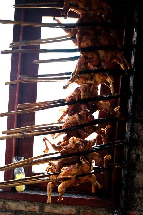 Đến Pleiku ăn đặc sản cơm lam gà nướng ảnh 6