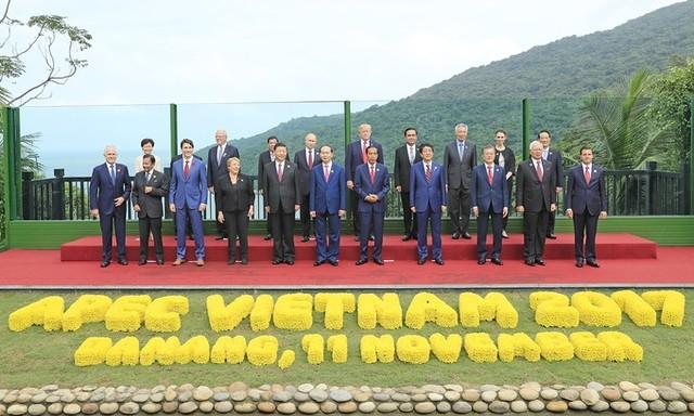 Các lãnh đạo APEC chụp ảnh chung sau họp cấp cao ảnh 3