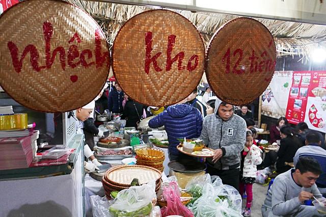 Đặc sản 55 tỉnh thành 'hội tụ' tại Hà Nội ảnh 9
