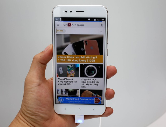 7 smartphone tầm trung nổi bật nửa cuối năm 2017 ảnh 7