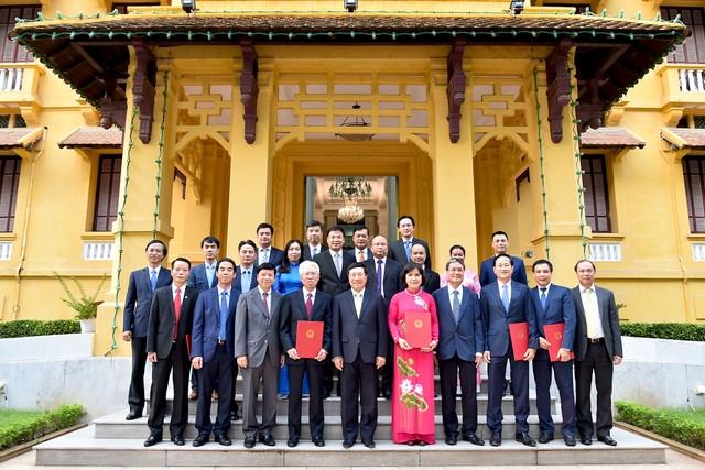 Trao Quyết định bổ nhiệm 6 Đại sứ nhiệm kỳ 2019-2022 ảnh 1