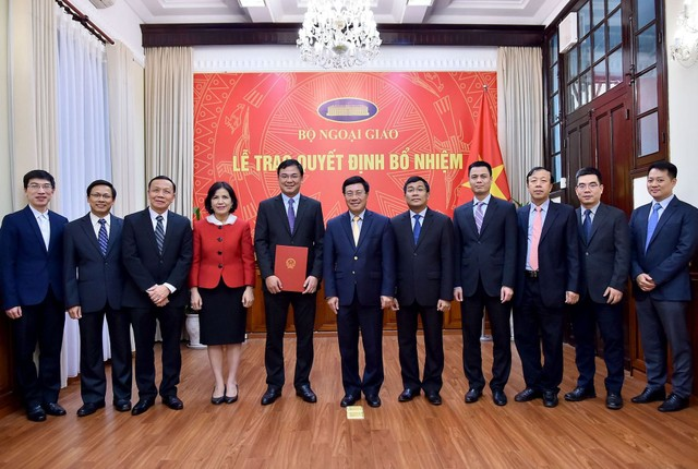 Phó Thủ tướng trao quyết định bổ nhiệm Trợ lý Bộ trưởng Ngoại giao ảnh 1