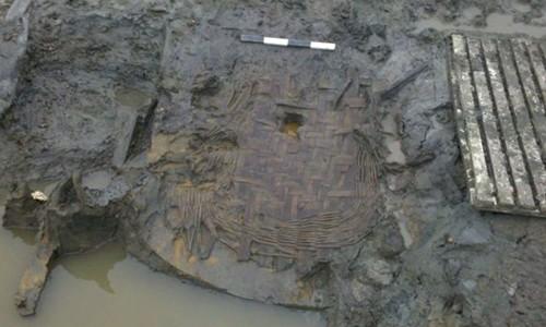 Quả trứng gà 1.700 năm tuổi còn nguyên vẹn ảnh 1