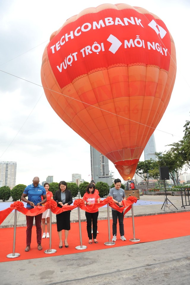 Hàng chục nghìn vận động viên chinh phục cung đường xanh tại giải Marathon quốc tế Thành phố Hồ Chí Minh Techcombank 2019 ảnh 2