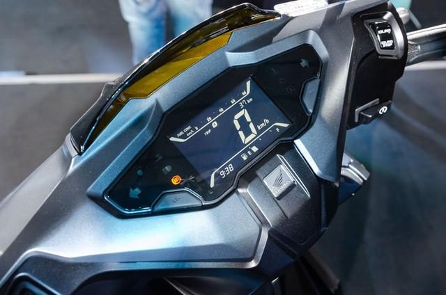 Honda Air Blade ra phiên bản mới, thế hệ cũ bán đúng giá ảnh 1