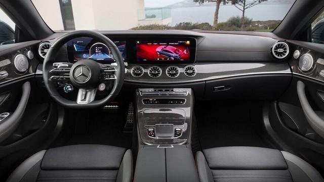Mercedes-Benz E-Class 2021 Coupe và Cabrio ra mắt với phong cách thời trang sành điệu, bóng bẩy ảnh 7
