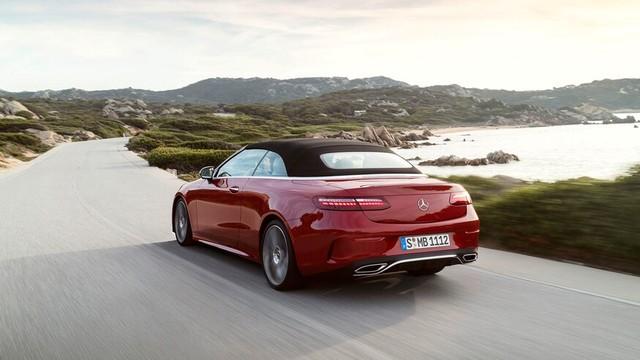 Mercedes-Benz E-Class 2021 Coupe và Cabrio ra mắt với phong cách thời trang sành điệu, bóng bẩy ảnh 8