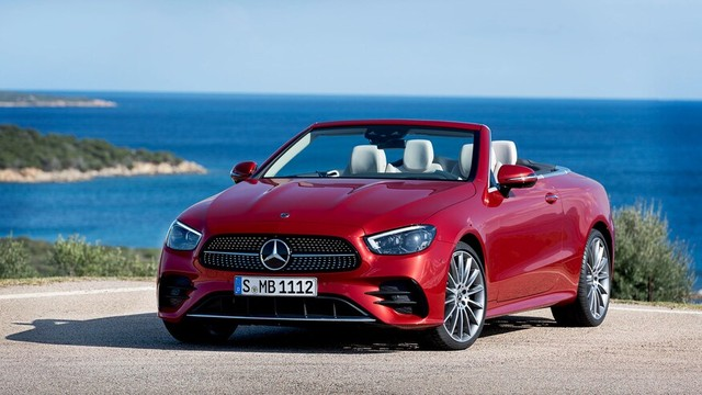 Mercedes-Benz E-Class 2021 Coupe và Cabrio ra mắt với phong cách thời trang sành điệu, bóng bẩy ảnh 9