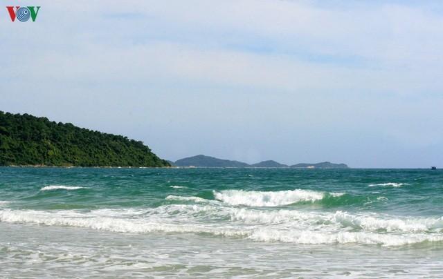 Biển Cô Tô - điểm đến hấp dẫn ẩn mình ở vùng Đông Bắc Tổ quốc ảnh 1