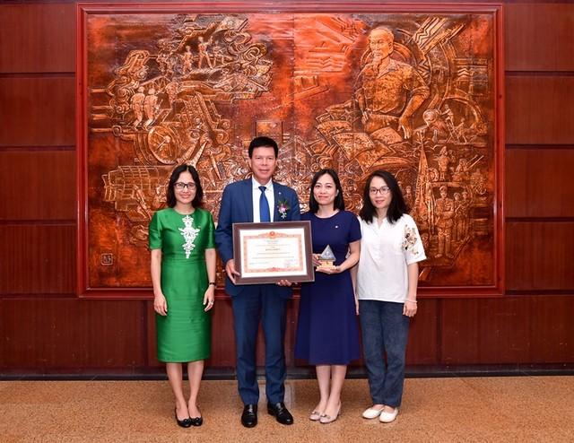 """Vietcombank được Thủ tướng Chính phủ tặng Bằng khen """"Doanh nghiệp tiêu biểu vì người lao động"""" ảnh 2"""